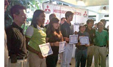 Mitsubishi otorgó 4 Becas