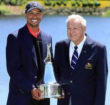 Tiger & Arnold Palmer (cortesía www.pgatour.com)