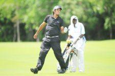 Punta Cana, República Dominicana (Mayo 30, 2013) – El argentino Maxi Godoy reacciona al gran hierro-7 que pegó desde 167 yardas en el par-cinco hoyo 17 la mañana de este jueves en la segunda ronda del Dominican Republic Open 2013 en el Hard Rock Golf Club at Cana Bay. El torneo es el séptimo y último de la primera mitad de la temporada 2013 del NEC Series PGA TOUR Latinoamérica. Crédito: Enrique Berardi/PGA TOUR