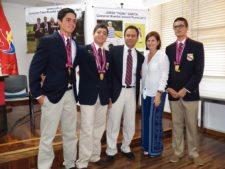 """G. León, G. Trujillo, Daniel Escalera, Sara García (Mamá de Jorge """"Pichu"""" García) y Gustavo Morantes - IND - Junio,26"""