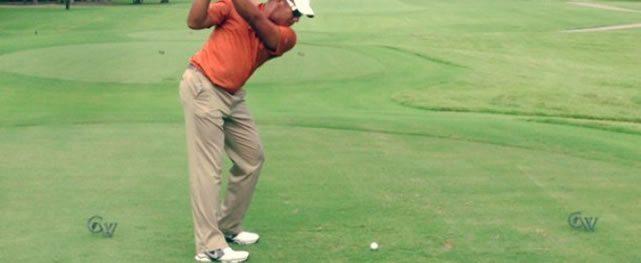 Swing Jhonattan Vegas calentando!