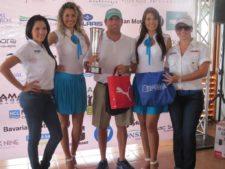 Mark Barefoot (con Trofeo) y Representantes de ATV Store y Costa Blanca Villas