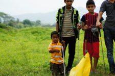 En un rincón de Yaritagua los niños juegan al Golf