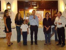 Ricardo Rojas, Presidente del Valle Arriba Golf Club; Mishka Capriles de Rodríquez, Presidenta de la Fundación y Miembros de la Junta Directiva