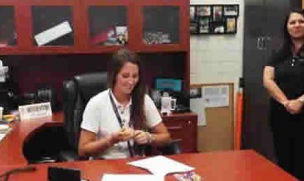 Claudia De Antonio Firmó beca de Golf con LSU