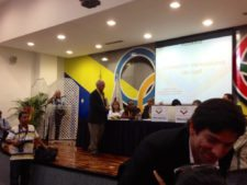 Presidente FVG F. Alcántara ejerciendo su voto (Cortesía FVG)