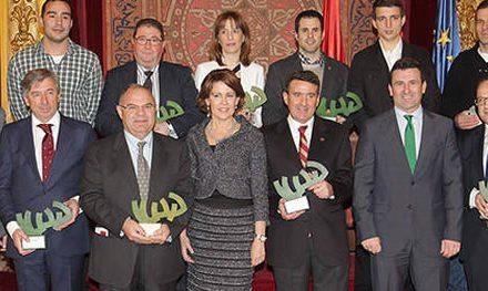 Navarra premia a los mejores deportistas en 2013, como Beatriz Recari y Carlota Ciganda