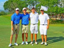 Marcos Cabarcos y Jim Dunne (de blanco) y otros competidores del evento
