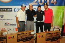 Adolfo Noriega y ganadores Primer Neto - Ramón Noriega, Raúl Vidal y Miguel Chirino