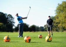 Fútbol vs. Golf: Rivalidad o Amistad (cortesía www.dailymail.co.uk)