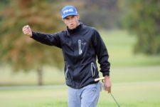 CÓRDOBA, ARGENTINA - ABRIL 17, 2014: El chileno Nicolás Geyger celebra tras embocar un putt de diez metros para birdie en el hoyo 3, su hoyo 12, durante la primera ronda del 83° Abierto OSDE del Centro presentado por FiberCorp, evento que dio inicio este jueves en el Córdoba Golf Club. Enrique Berardi/PGA TOUR