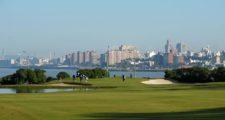 MONTEVIDEO, URUGUAY - ABRIL 24, 2014: Una vista del hoyo 14 del campo del Club de Golf del Uruguay, en donde este jueves se inició el Roberto De Vicenzo Invitational Copa NEC. Enrique Berardi/PGA TOUR