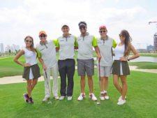 Modelo, Santiago Goiri, David Tasende, Bernardo Ortiz, Daniel Ordoñez y modelo de Greenview