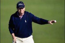 Hass adelante por uno luego de la 1ra ronda (cortesía Harry How, David Cannon, Rob Carr & Andrew Redington / Getty Images)