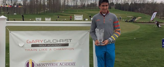 Carlos Riascos gana evento de AJGA