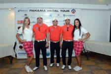 Arturo Saenz, Jaime Carrizo, Juan José Villanueva - Parte del equipo organizador junto a modelos