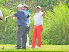 Jorge Rodríguez (Director de Golf de Summit Golf Club) y participantes del evento