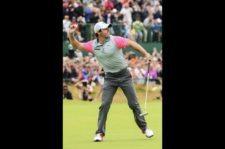 Rory lanza bola ganadora en el 18 (Andrew Redington / Getty Images)