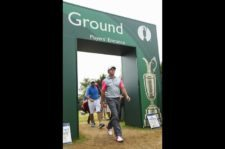 Rory McIlroy (Mike Ehrmann / Getty Images)