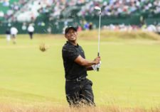 Tiger Woods en el 1er hoyo (cortesía Andrew Redington / Getty Images)