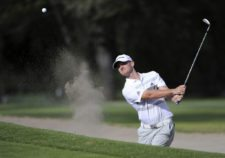 QUITO, ECUADOR (SEP. 25, 2014) El estadounidense Tyler McCumber hace una sacada de bunker en el hoyo 11 durante la primera ronda del All You Need Is Ecuador Open en el Quito Tenis y Golf Club. (Enrique Berardi/PGA TOUR)