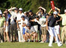 BUENOS AIRES, ARGENTINA - (OCT. 25, 2014) - El argentino Emilio Domínguez tras pegar desde el fairway del hoyo 18 durante la tercera ronda de la Bridgestone America's Golf Cup en Olivos Golf Club. (Enrique Berardi/PGA TOUR)