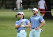 BUENOS AIRES, ARGENTINA - (OCT. 23, 2014) - Willy Pumarol y John Paul Garrido durante la segunda ronda de la Bridgestone America's Golf Cup en Olivos Golf Club. (Enrique Berardi/PGA TOUR)