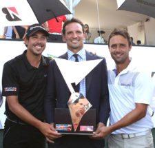 Emilio Domínguez (izquierda), Lisandro Borges, CEO de la Bridgestone America's Golf Cup (centro) y Rafael Echenique (derecha)