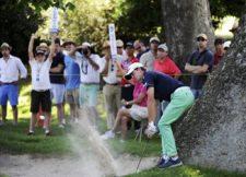 SANTIAGO, CHILE (NOV. 16, 2014) - El argentino Jorge Fernández Valdés sacando de un bunker en el hoyo 11 durante la ronda final del Hyundai - BBVA 88° Abierto de Chile en el Club de Golf Los Leones. (Enrique Berardi/PGA TOUR)
