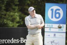 BUENOS AIRES, ARGENTINA (NOV. 28, 2014) - El argentino Gustavo Acosta pega su golpes de salida en el hoyo 16 durante la segunda ronda del Personal Classic en Las Praderas Club Campos de Golf. (Enrique Berardi/PGA TOUR)