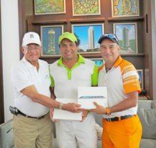 Gilberto Pérez, Humberto Deir y Víctor Bonifatti (ganadores del 1er Lugar Neto)