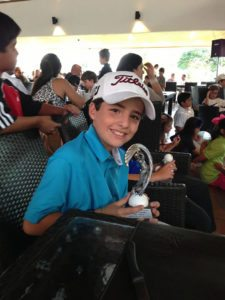 Federico Silva con trofeo