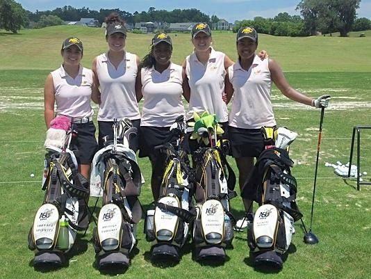 ASU golfers Shanon Spinuzzi, Brooklyn Kraakman, Sylvia Masango, Jenelle Kraakman and Dismary Marquez at NCAA East Regional in Tallahassee, Fla. (Cortesía.www.montgomeryadvertiser.com)