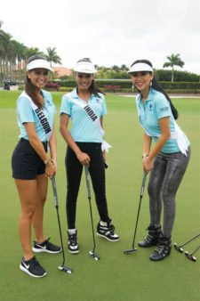 Anissa Blondin, Miss Belgium, Noyonita Lodh, Miss India y Elvira Devinamira, Miss Indonesia (cortesía Reuters/Miss Universe Organization)