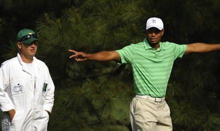 El avión de Tiger Woods aterriza en Augusta
