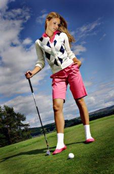 """""""Fashionismo"""" en los campos de golf (cortesía www.juliehannahblog.com)"""