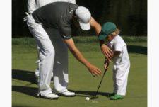 Zach Johnson e hijo (cortesía www.thestar.com)