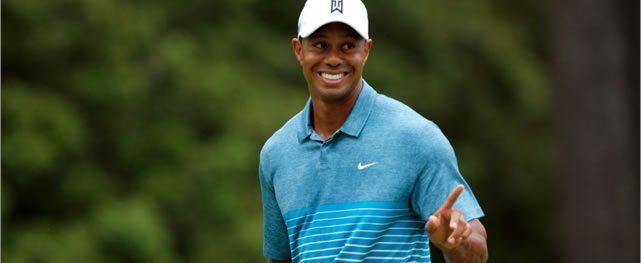 Tiger le sonríe a todos