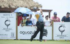 TELA, HONDURAS - MAYO 31, 2015: El puertorriqueño Rafa Campos pega su golpe de salida en el hoyo 1 durante la ronda final del Honduras Open presented by Indura Golf and Beach Resort en Tela, Honduras. (Enrique Berardi/PGA TOUR)