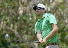 LA ROMANA, REPUBLICA DOMINICANA - JUNIO 4, 2015: El estadounidense Bryan Bigley pega su golpe de salida en el tee del hoyo 9 durante la primera ronda del Dominican Republic Open en el campo Teeth of the Dog de Casa de Campo en La Romana, República Dominicana. (Enrique Berardi/PGA TOUR)