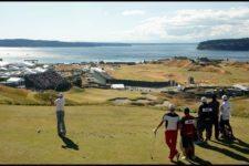 Rory McIlroy hits his tee shot on the ninth hole during Friday's (cortesía USGA)