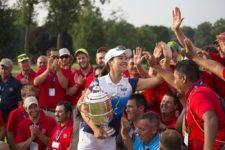 In Gee Chun Con Trofeo (cortesía USGA)