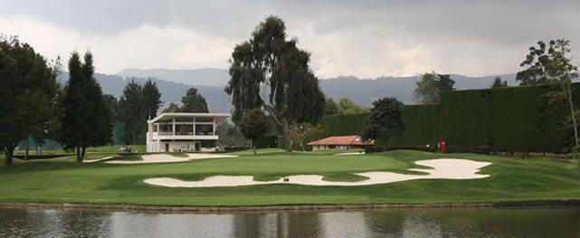 La forja de un club de golf por competencia