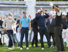Carlos Ortiz, Tiger Woods y Matt Kuchar durante la clínica del martes / Gentileza: Enrique Berardi/PGA TOUR