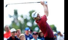 Justin Rose en el hoyo 2 (cortesía PGA TOUR/ Cliff Hawkins)