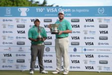 El aficionado uruguayo Juan Álvarez (izq) y el profesional estadounidense Kent Bulle: Las figuras de este 110° VISA Open de Argentina presentado por OSDE / Gentileza: Enrique Berardi/PGA TOUR