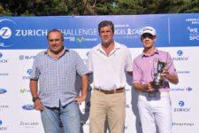 Ángel Cabrera, Fabio Rossi (CEO de Zurich Argentina) y Jorge Fernández Valdés en la entrega de premios del Zurich Challenge presentado por movistar