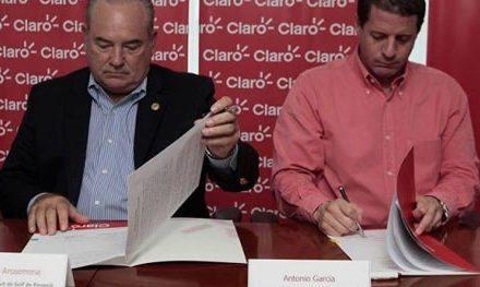 """Firman contrato de golf """"Panamá Claro Championship 2016"""""""