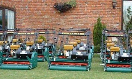 Características más apropiadas que debería tener el centro de operaciones de mantenimiento del campo de golf