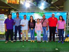 Malik Levens y Richard Vis en el Putting Green en el Sambil Caracas